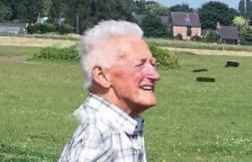 Jan Hoenselaar overleden